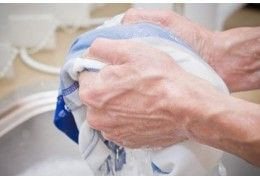 How to remove blood stains from fabrics